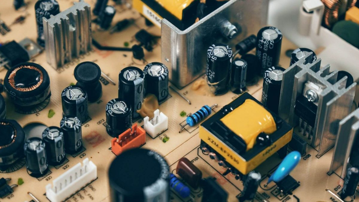 Transformador Isolador: O que é, para que serve e como funciona